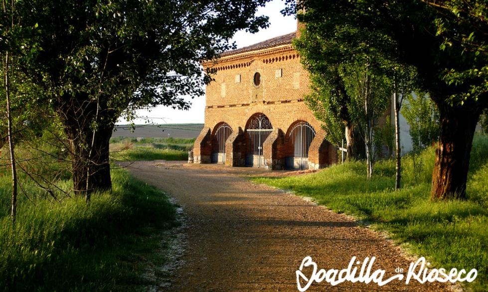 El camino y la ermita